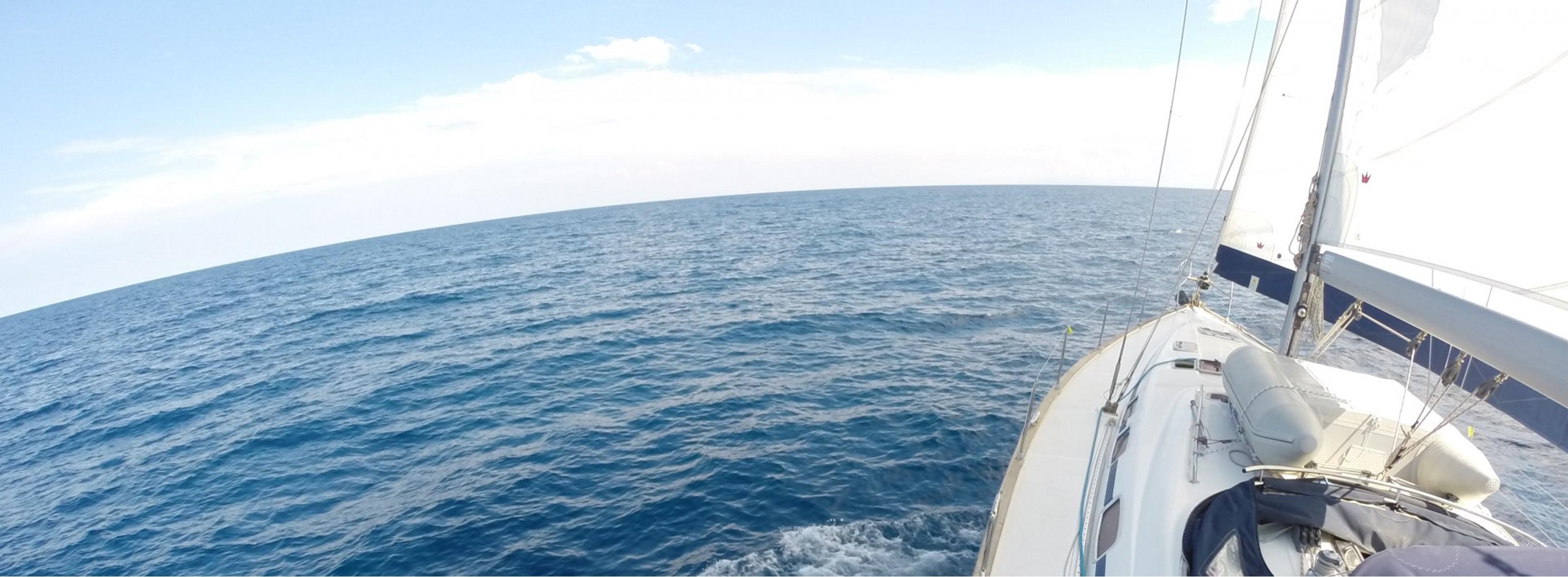 Перфектният месец за плаване в Южна Гърция